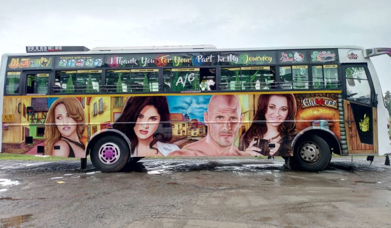 Opinion Pornstars hot pics in bus