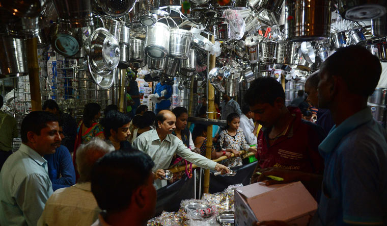 Lacklustre Diwali business for physical stores, courtesy Amazon and Flipkart
