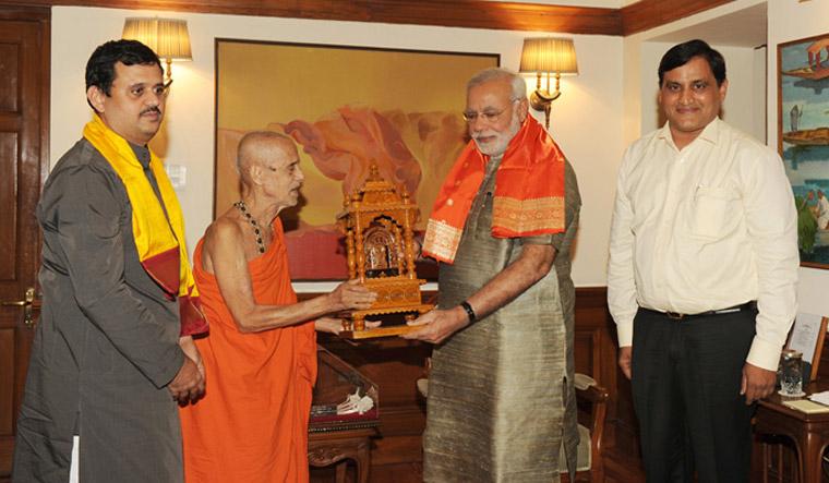 Pro-BJP vidente de la encuesta de sumergirse en Karnataka ha veterano pontífice ... - LA SEMANA 1