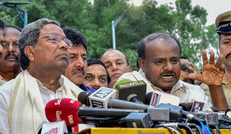 Sedition, defamation cases against Siddaramaiah, HDK for protesting against I-T raids