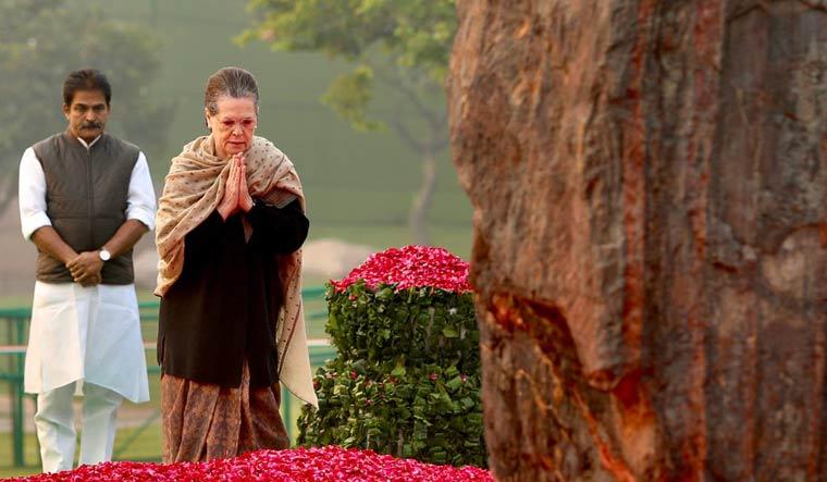 Indira Gandhi's 102 birth anniversary: Sonia, Modi pay tributes