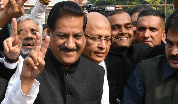 'Didn't approach Congress in 2014 to keep BJP out': Sena rejects Chavan's claim
