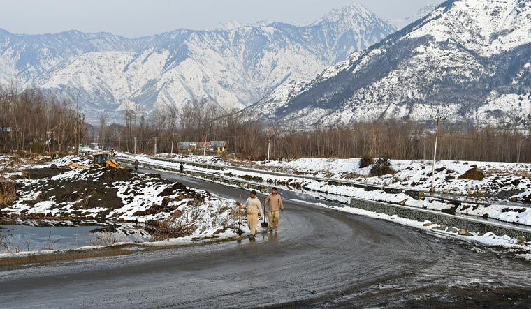 Snowfall in J&K: Stranded army soldier misses his own wedding