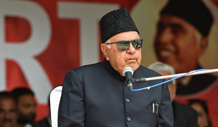 Lok Sabha polls: Farooq Abdullah up against greenhorns in Srinagar