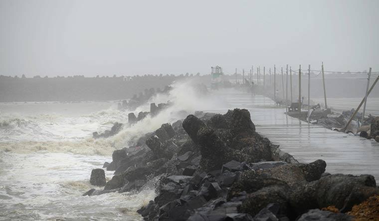 Cyclone Vayu to recurve; likely to hit Gujarat's Kutch next week
