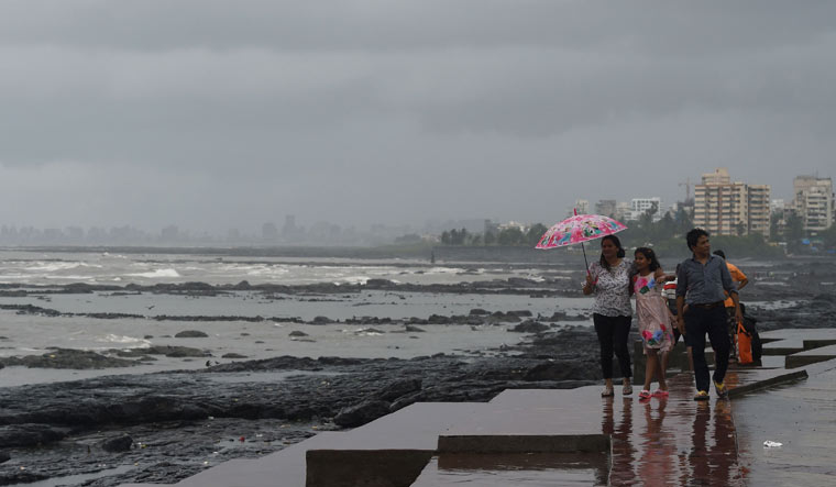 Mumbai likely to get intense heavy rainfall on Saturday