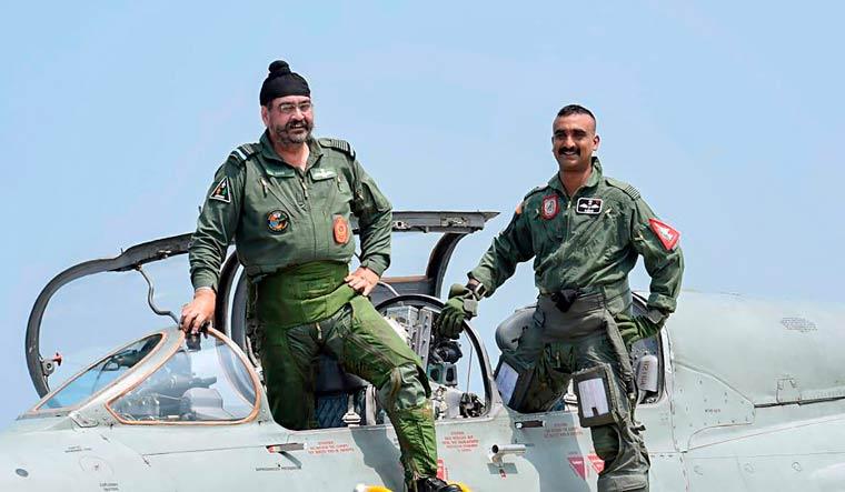 Abhinandan Varthaman flies MiG 21 jet with IAF chief in Pathankot