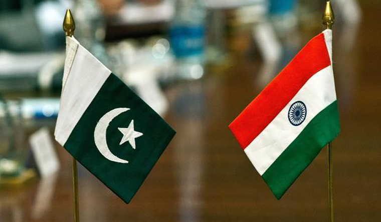 India boycotts Pakistan Day event over invite to J&K separatists