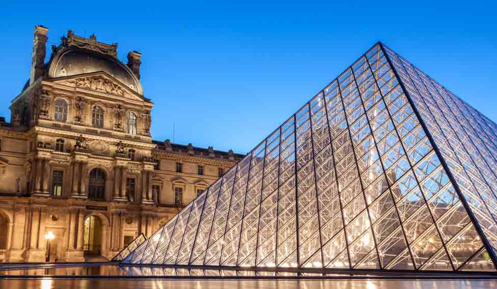 5 stories about the louvre